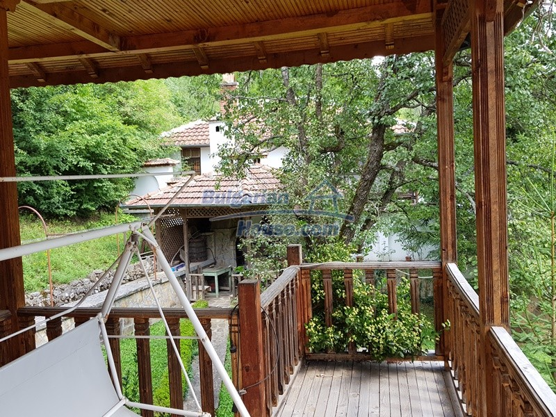 12859:94 - Excellent traditional Bulgarian property next to river VT area