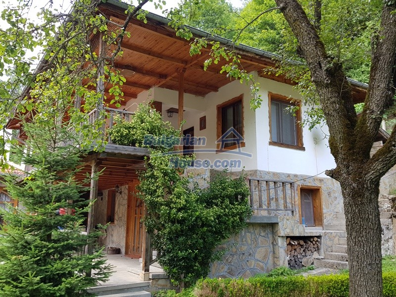 12859:100 - Excellent traditional Bulgarian property next to river VT area