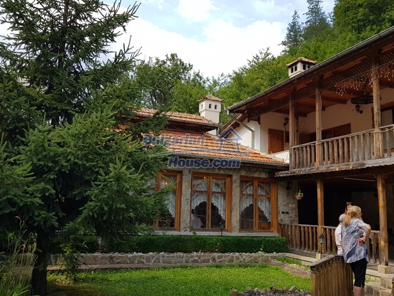 12859:101 - Excellent traditional Bulgarian property next to river VT area