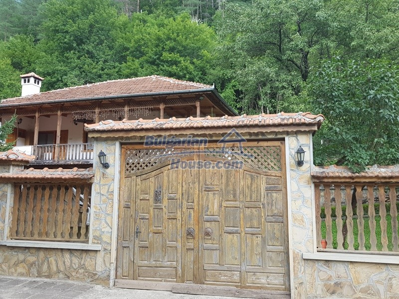 12859:108 - Excellent traditional Bulgarian property next to river VT area