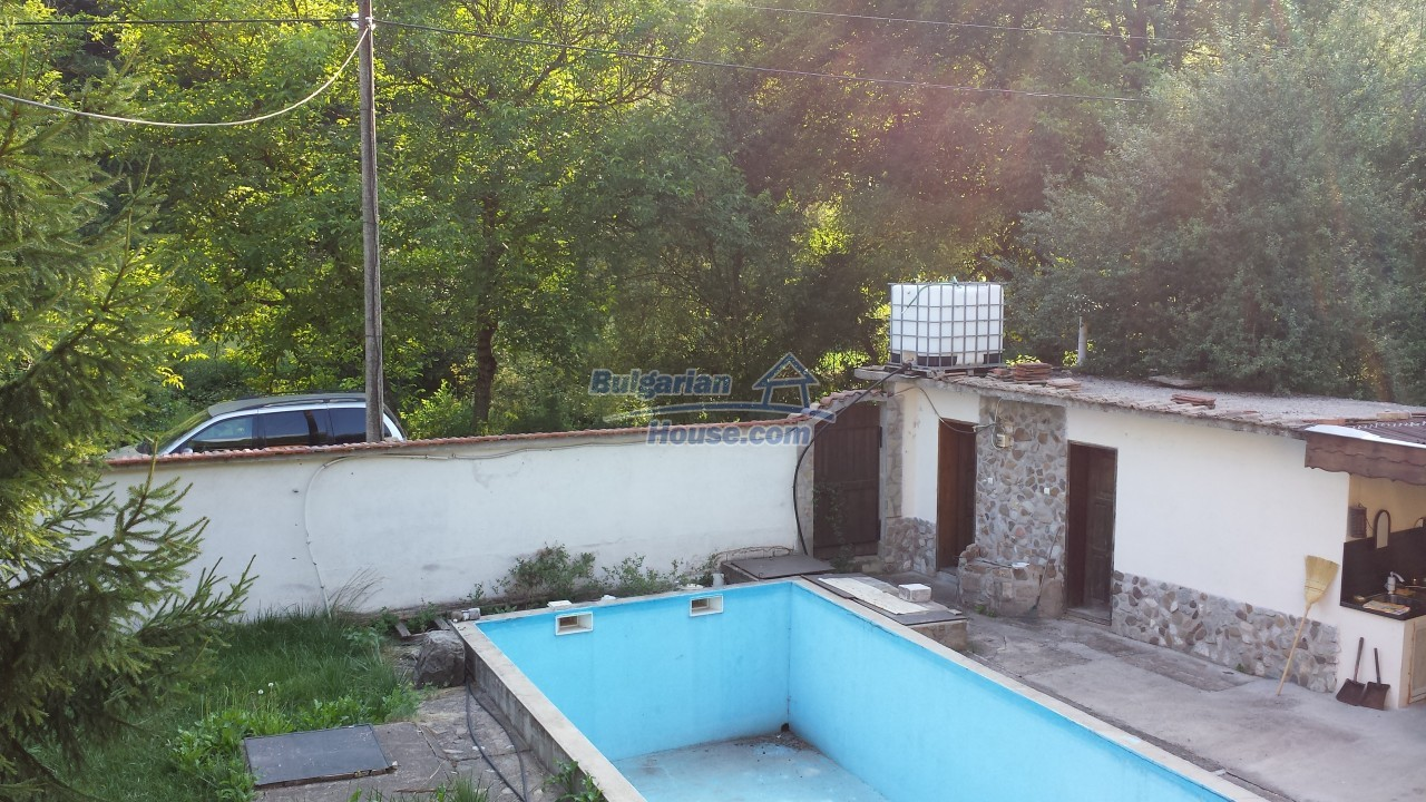12860:23 - House with swimming pool 50 km from Veliko Tarnovo 7 bedrooms