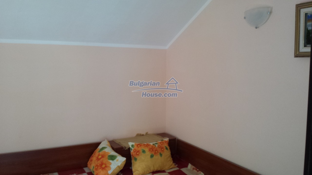 12860:42 - House with swimming pool 50 km from Veliko Tarnovo 7 bedrooms