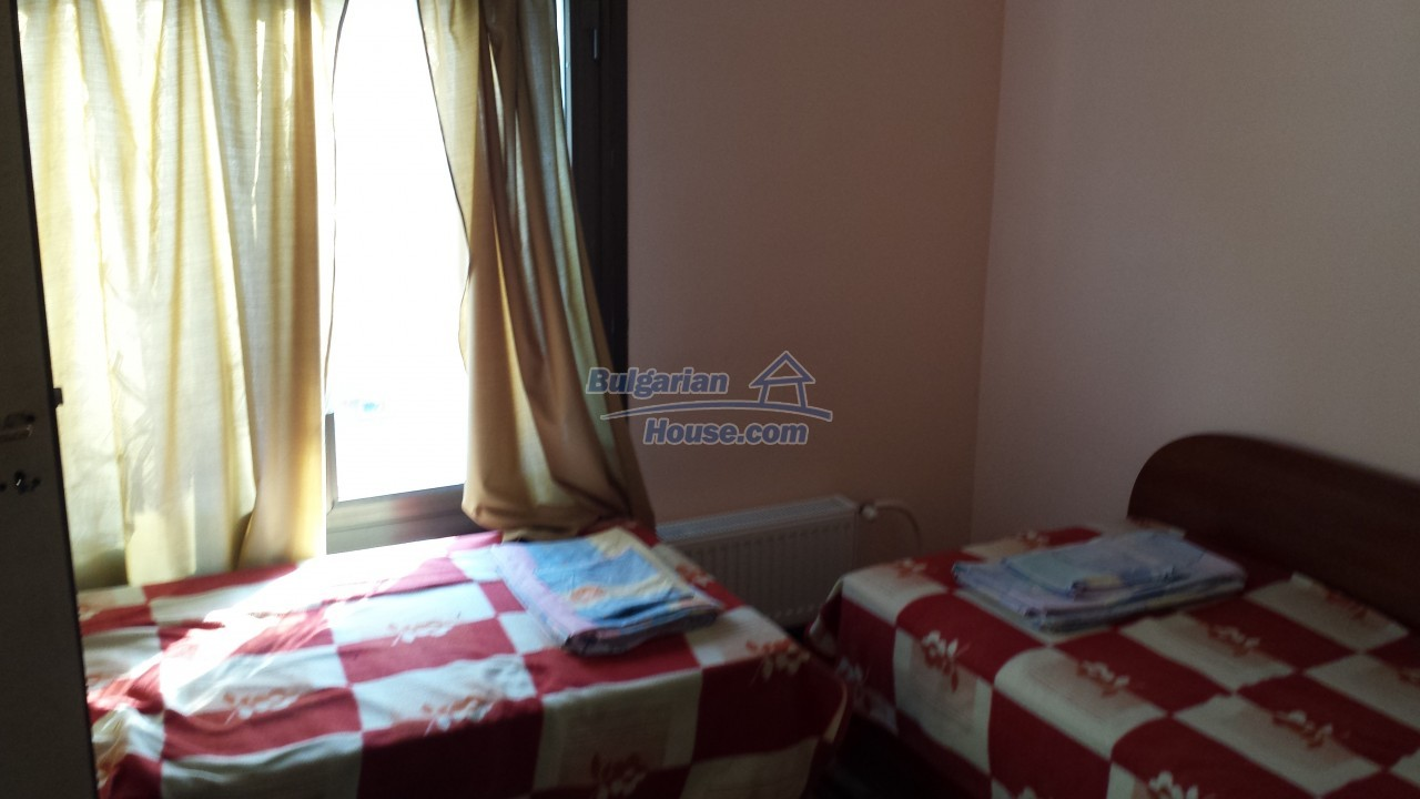 12860:43 - House with swimming pool 50 km from Veliko Tarnovo 7 bedrooms