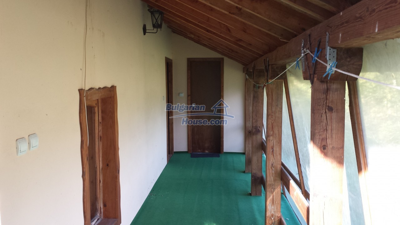 12860:45 - House with swimming pool 50 km from Veliko Tarnovo 7 bedrooms