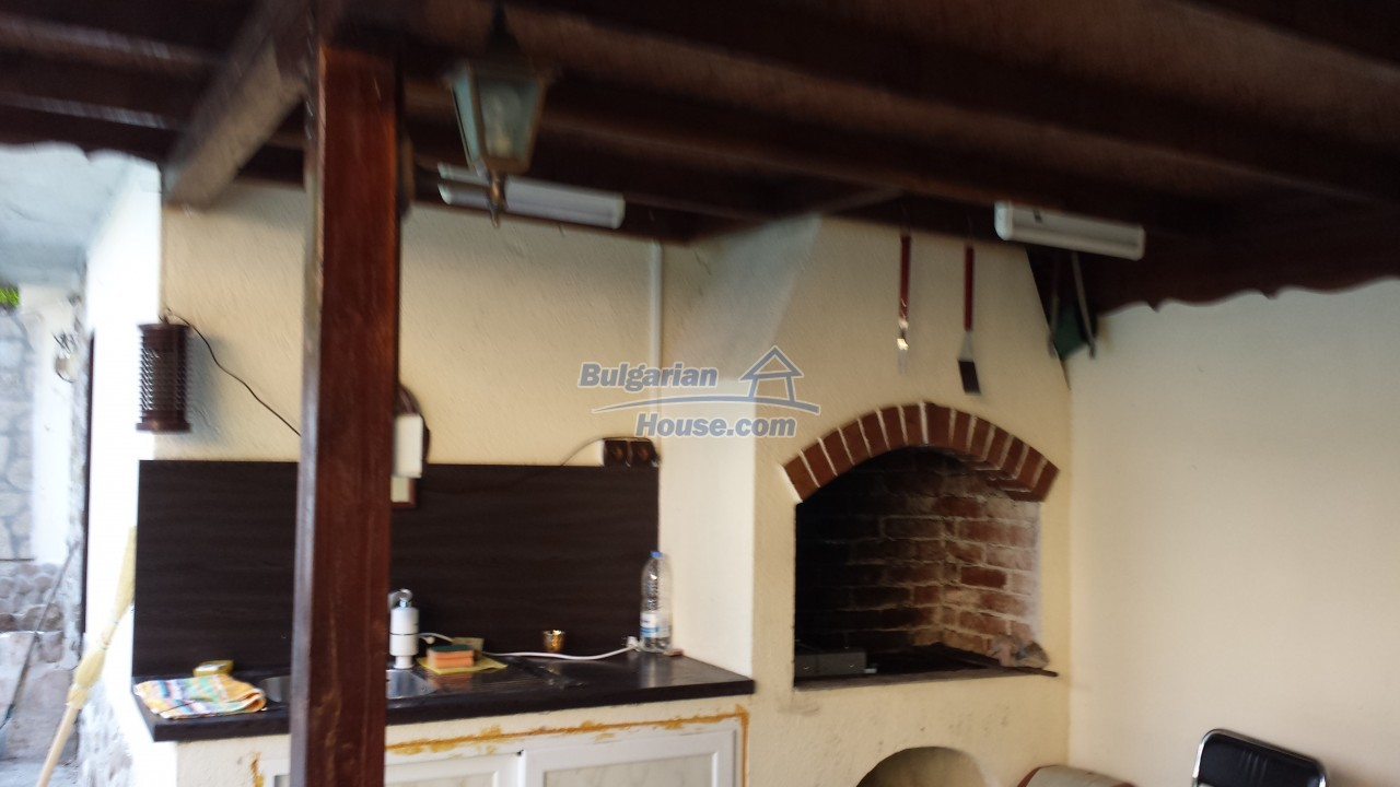 12860:70 - House with swimming pool 50 km from Veliko Tarnovo 7 bedrooms