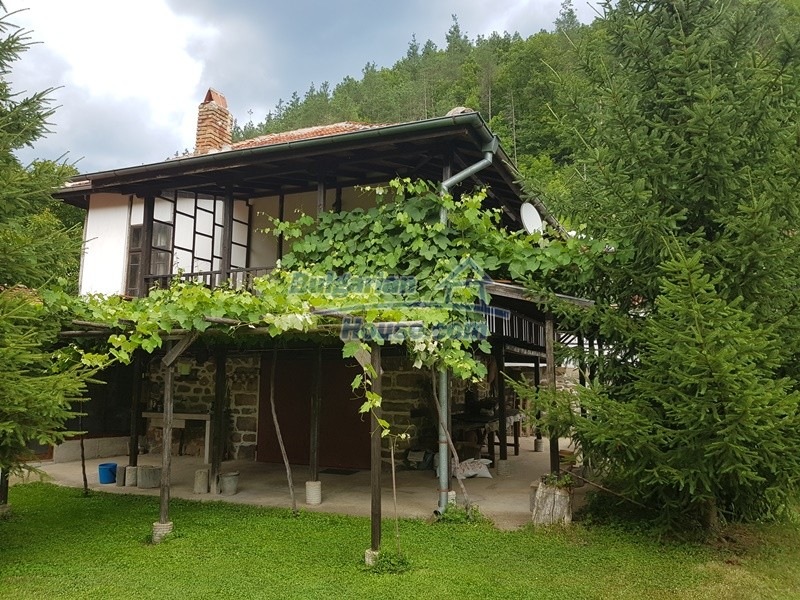 12861:1 - House for sale next to river in forest  50km to Veliko Tarnovo