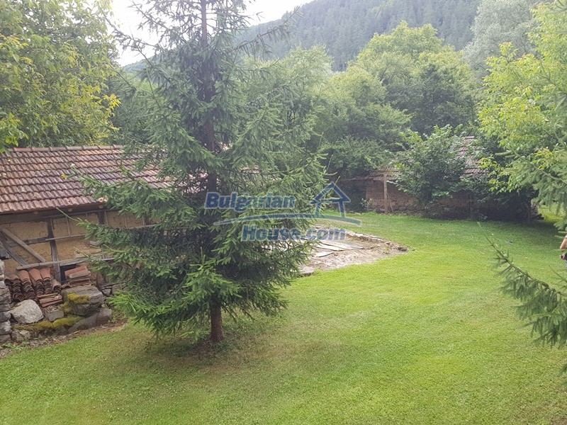 12861:28 - House for sale next to river in forest  50km to Veliko Tarnovo