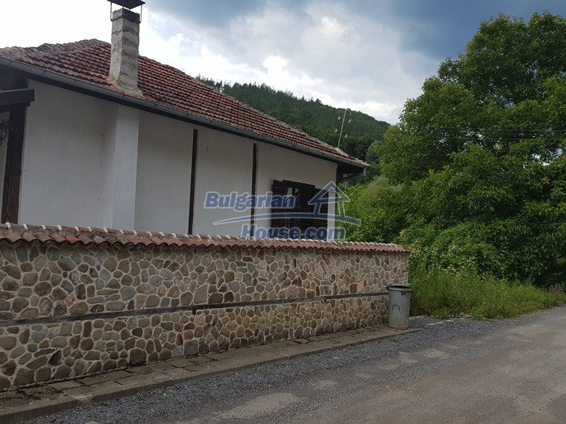 12861:25 - House for sale next to river in forest  50km to Veliko Tarnovo