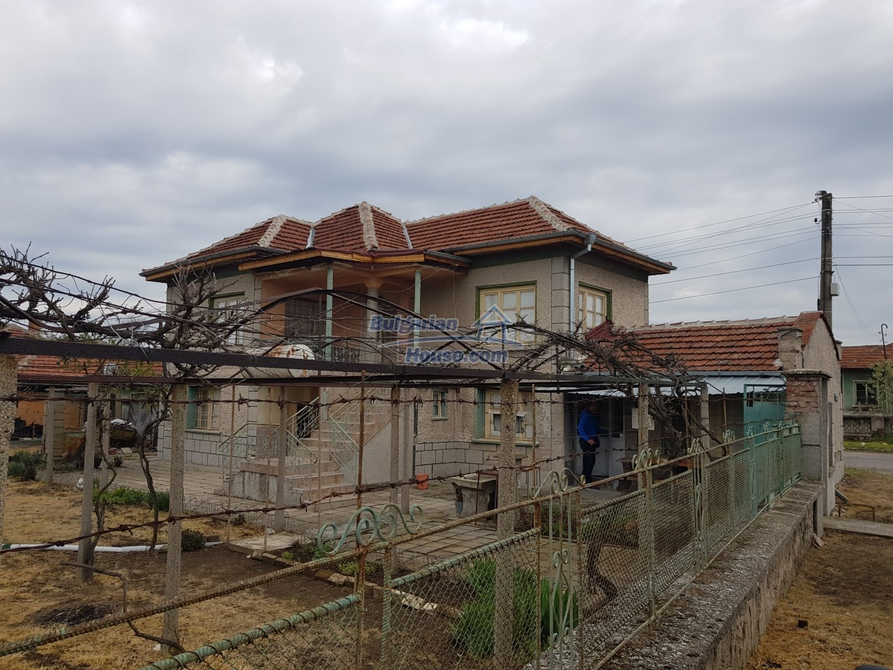 12829:30 - Lovely Bulgarian house for sale near lake Stara Zagora region