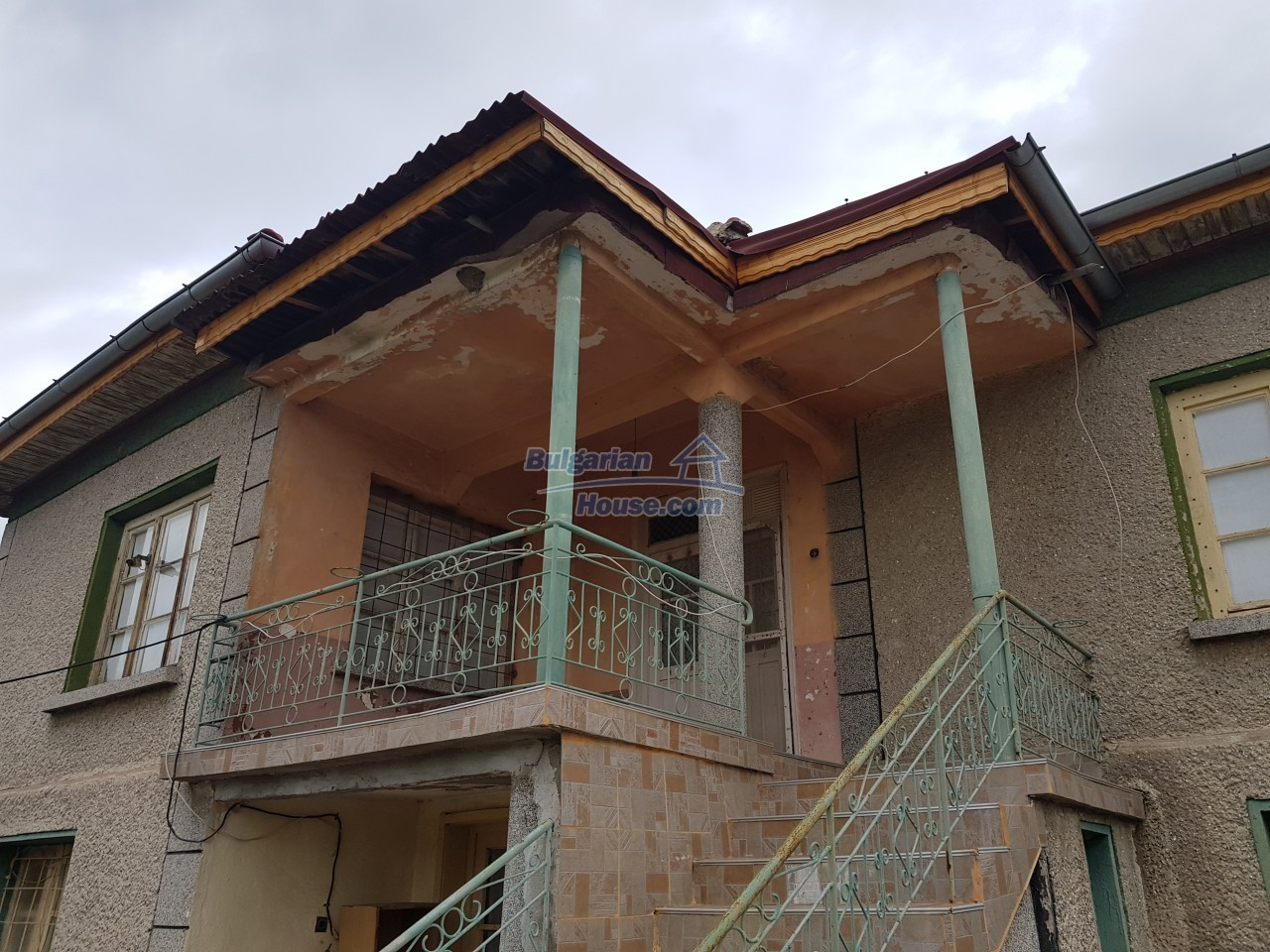 12829:35 - Lovely Bulgarian house for sale near lake Stara Zagora region