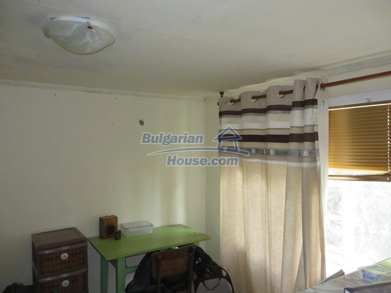 12873:6 - 3 bedroom Bulgarian house with large garden 2500 m2 and big barn