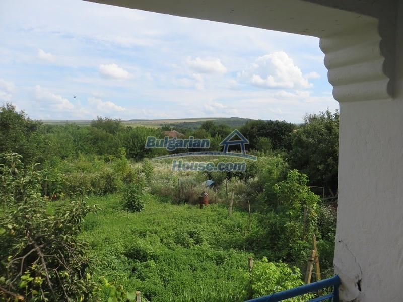 12873:20 - 3 bedroom Bulgarian house with large garden 2500 m2 and big barn