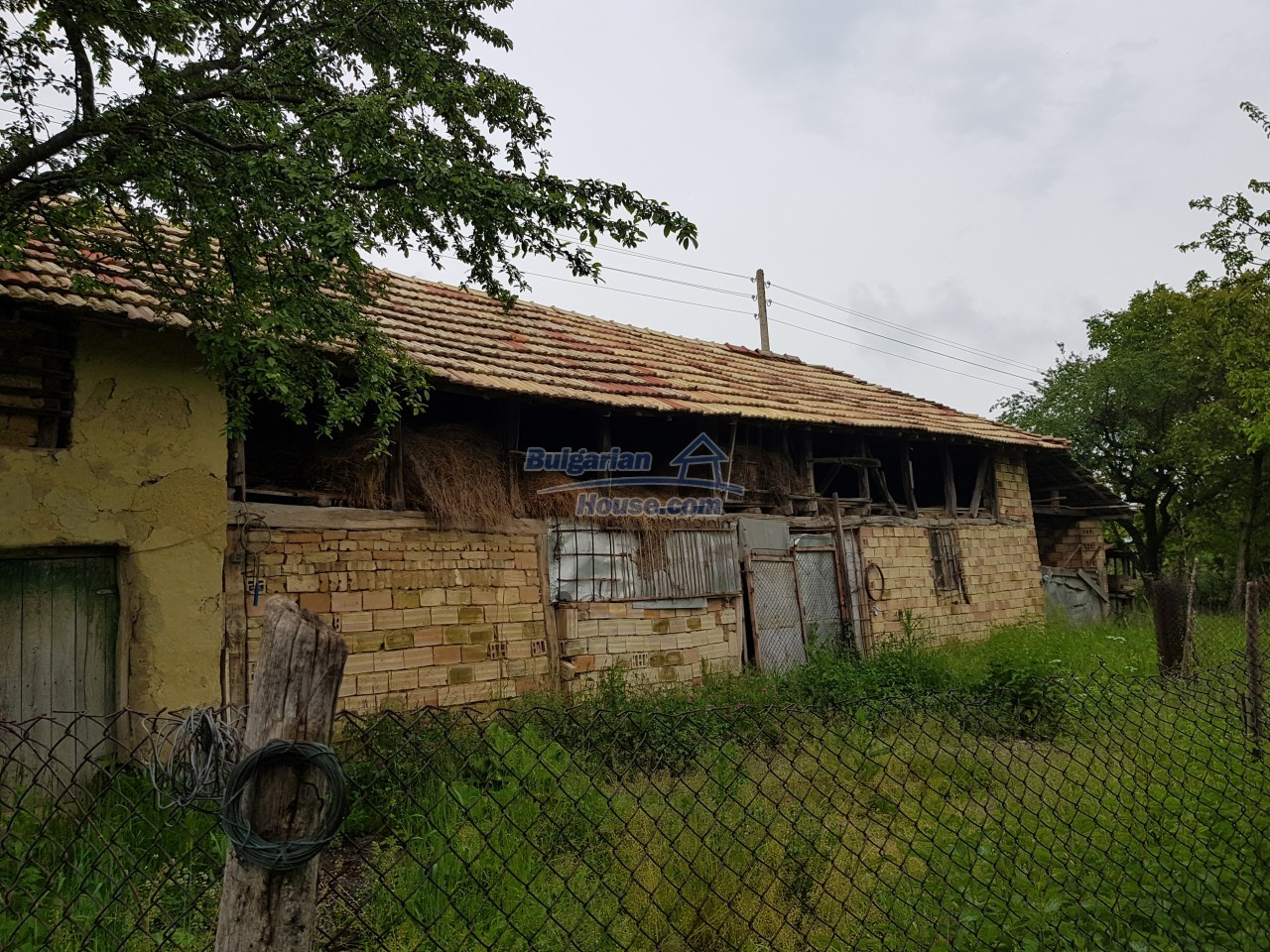 12884:33 - House for sale with big farm building and garden 7000 sq.m land