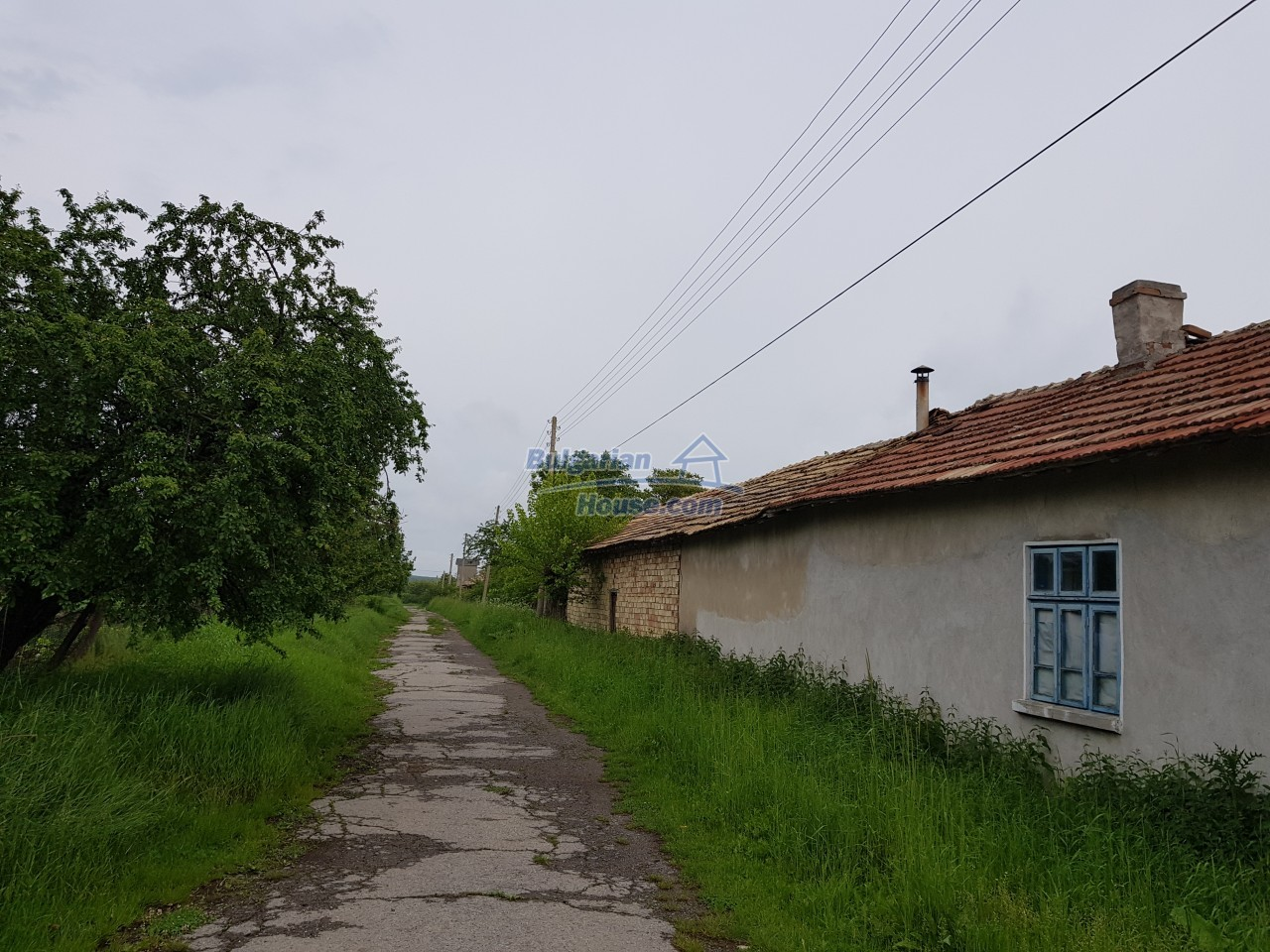 12884:36 - House for sale with big farm building and garden 7000 sq.m land