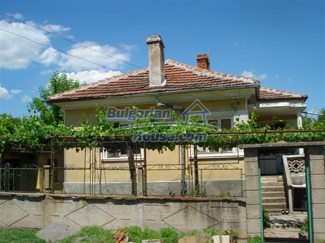 12888:2 - One - storey house for sale in a village near Elhovo