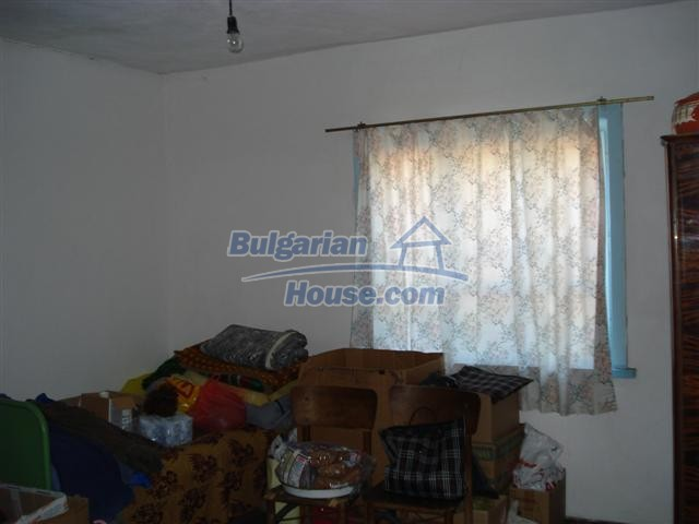 12888:6 - One - storey house for sale in a village near Elhovo