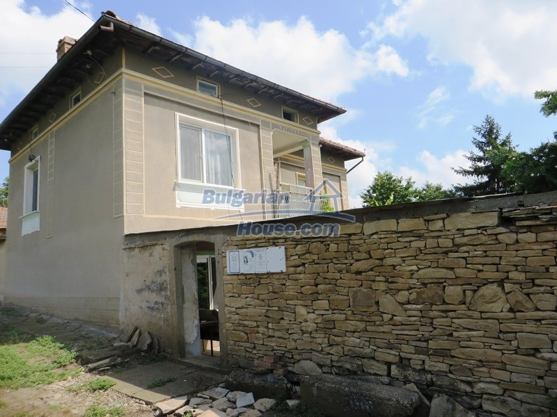12889:2 - Excellent 3 bedroom house with huge stone barn Veliko Tarnovo