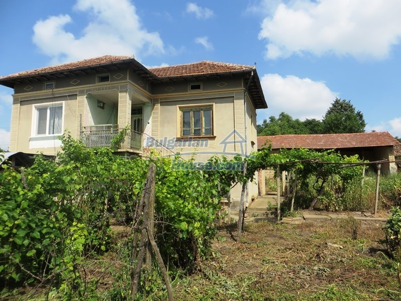 12889:1 - Excellent 3 bedroom house with huge stone barn Veliko Tarnovo
