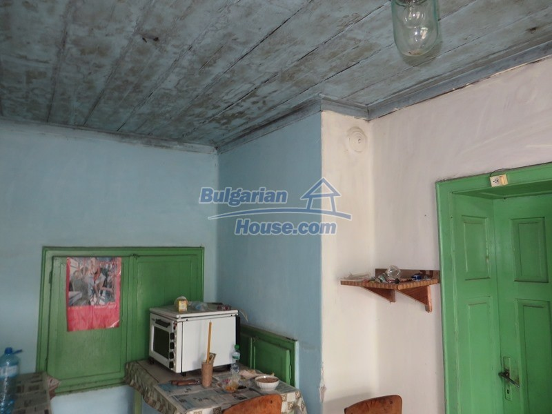 12889:16 - Excellent 3 bedroom house with huge stone barn Veliko Tarnovo