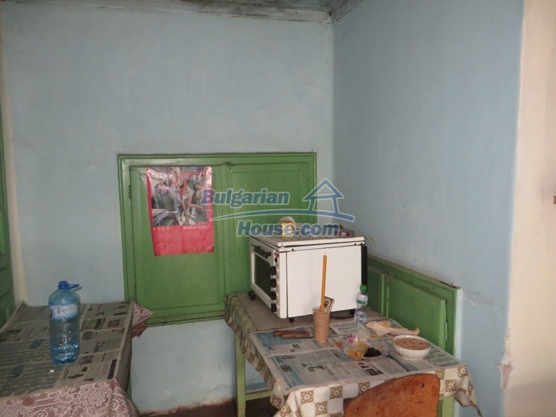 12889:19 - Excellent 3 bedroom house with huge stone barn Veliko Tarnovo