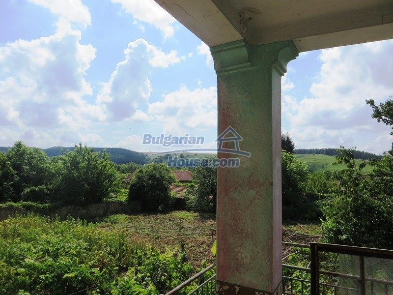 12889:40 - Excellent 3 bedroom house with huge stone barn Veliko Tarnovo