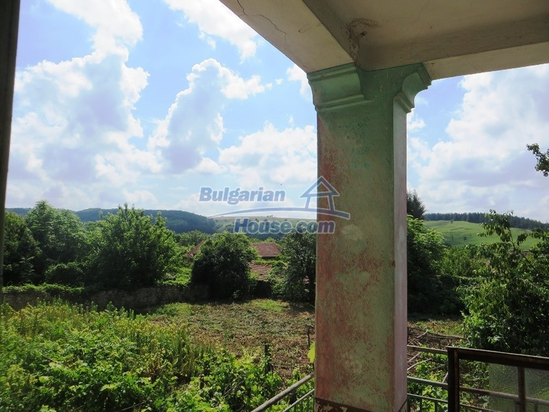 12889:41 - Excellent 3 bedroom house with huge stone barn Veliko Tarnovo
