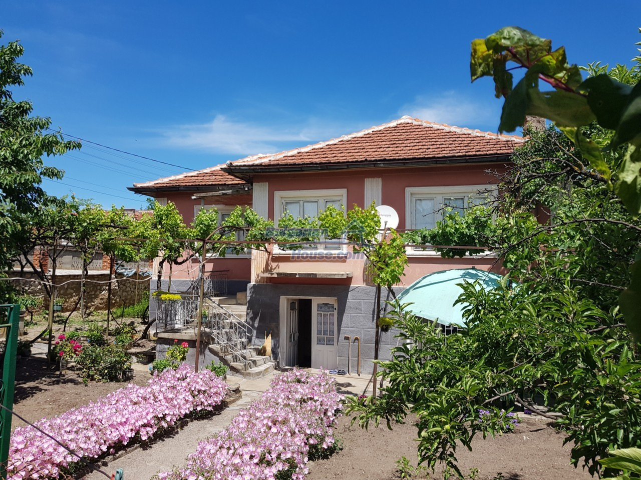 12777:1 - Village home for sale in Stara Zagora region with big garden