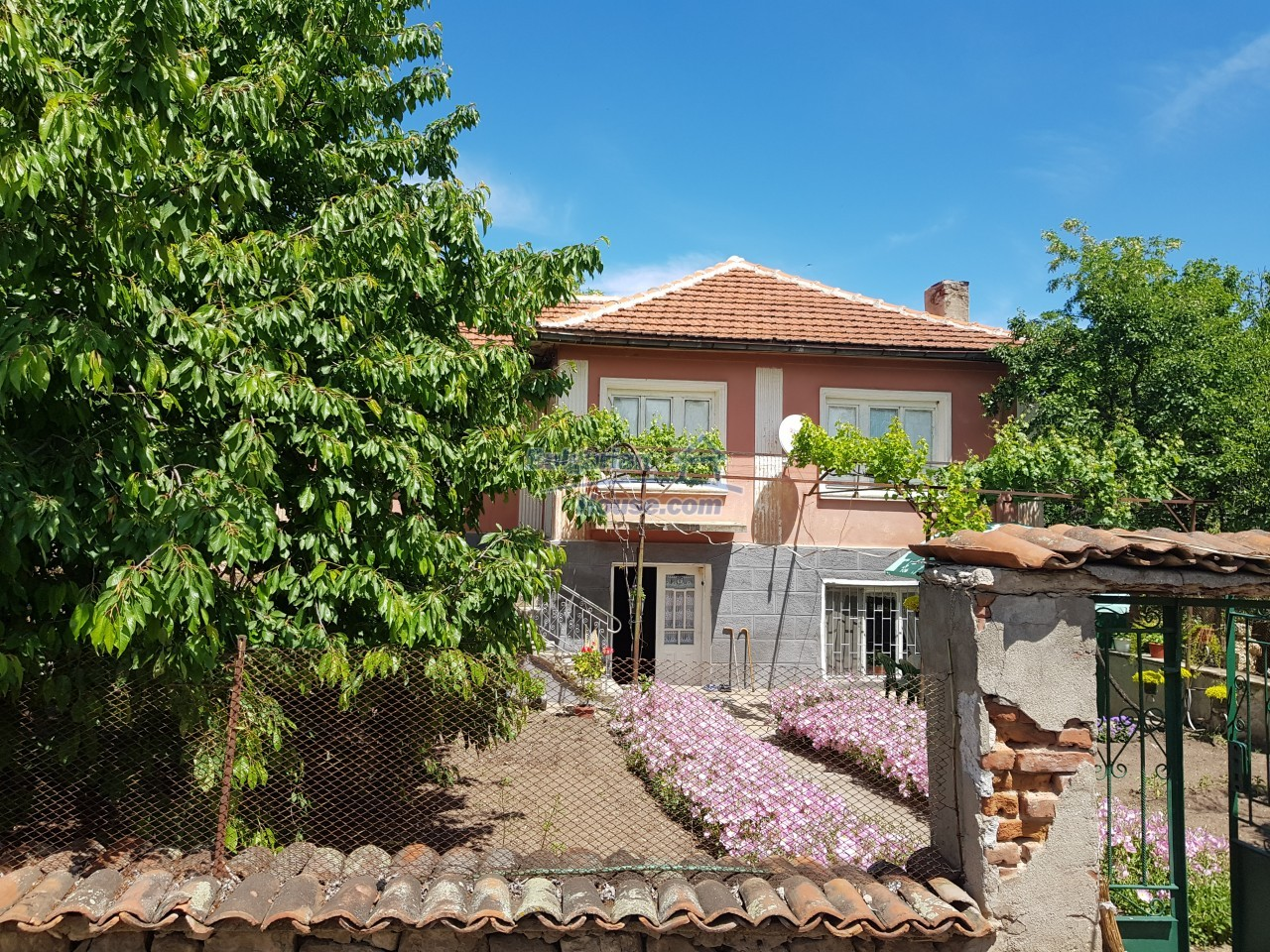 12777:61 - Village home for sale in Stara Zagora region with big garden