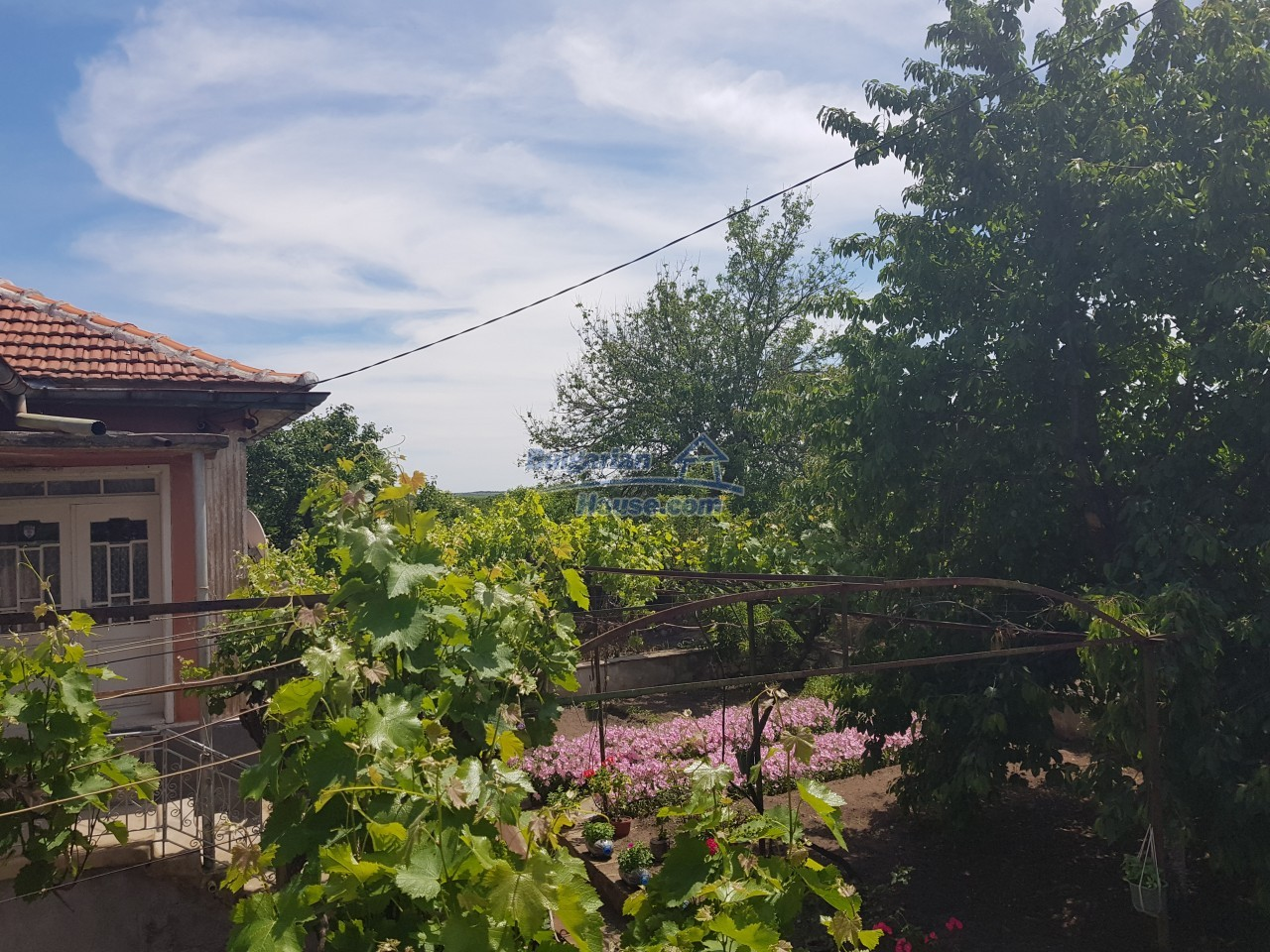 12777:63 - Village home for sale in Stara Zagora region with big garden