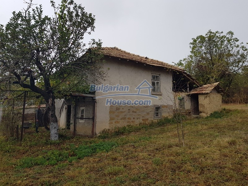 12908:4 - Cheap Bulgarian property near Yastrebino lake Targovishte