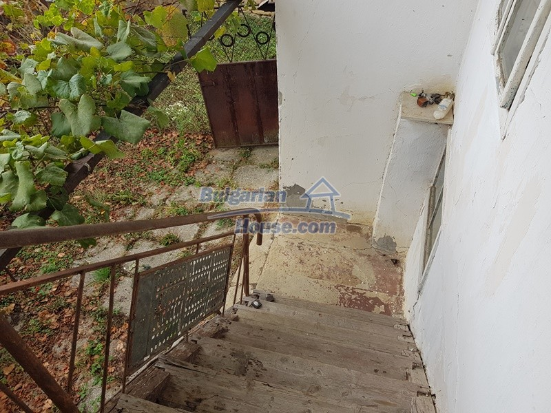 12908:21 - Cheap Bulgarian property near Yastrebino lake Targovishte