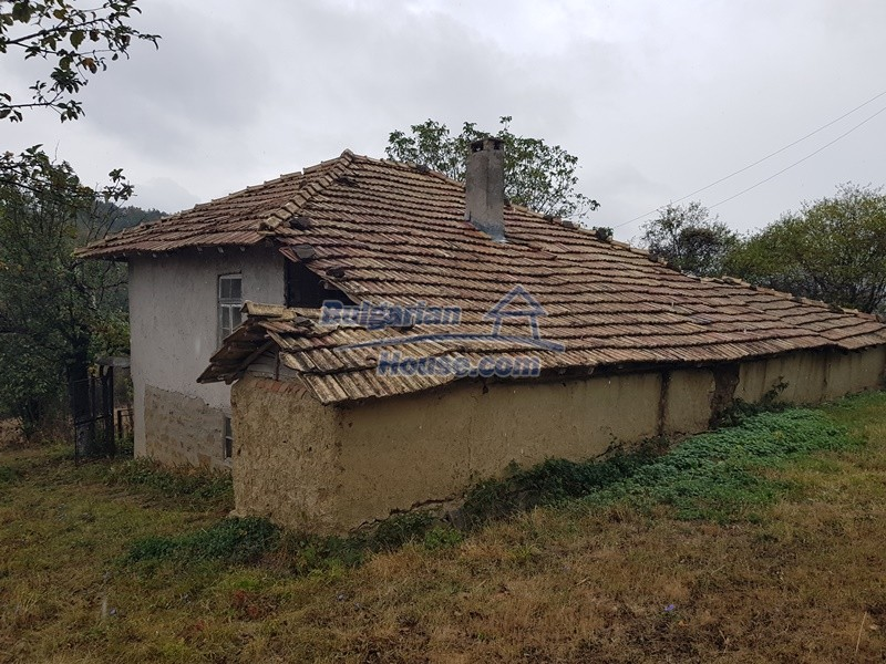 12908:40 - Cheap Bulgarian property near Yastrebino lake Targovishte