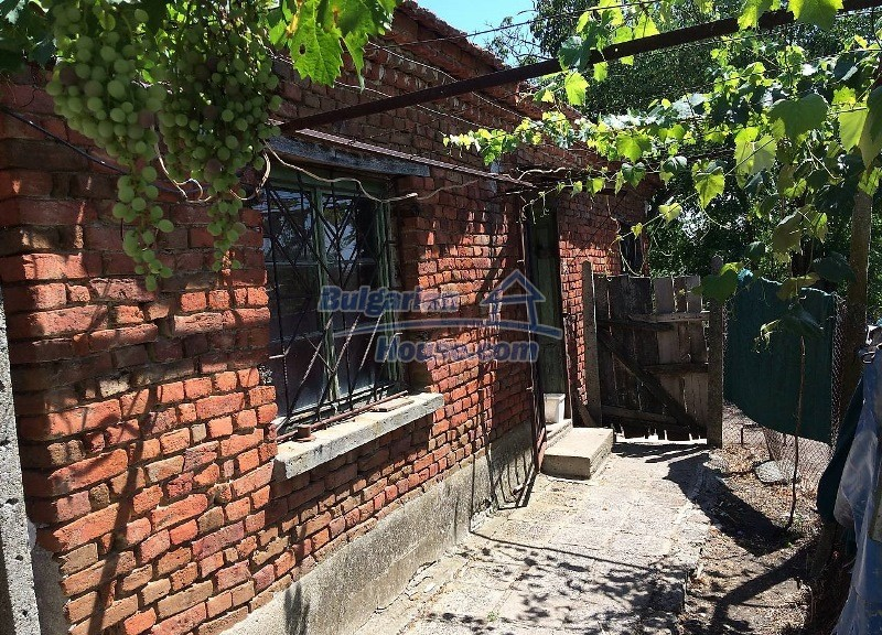 12909:5 - Cheap Bulgarian property near Karnobat 68 km to Burgas and the s