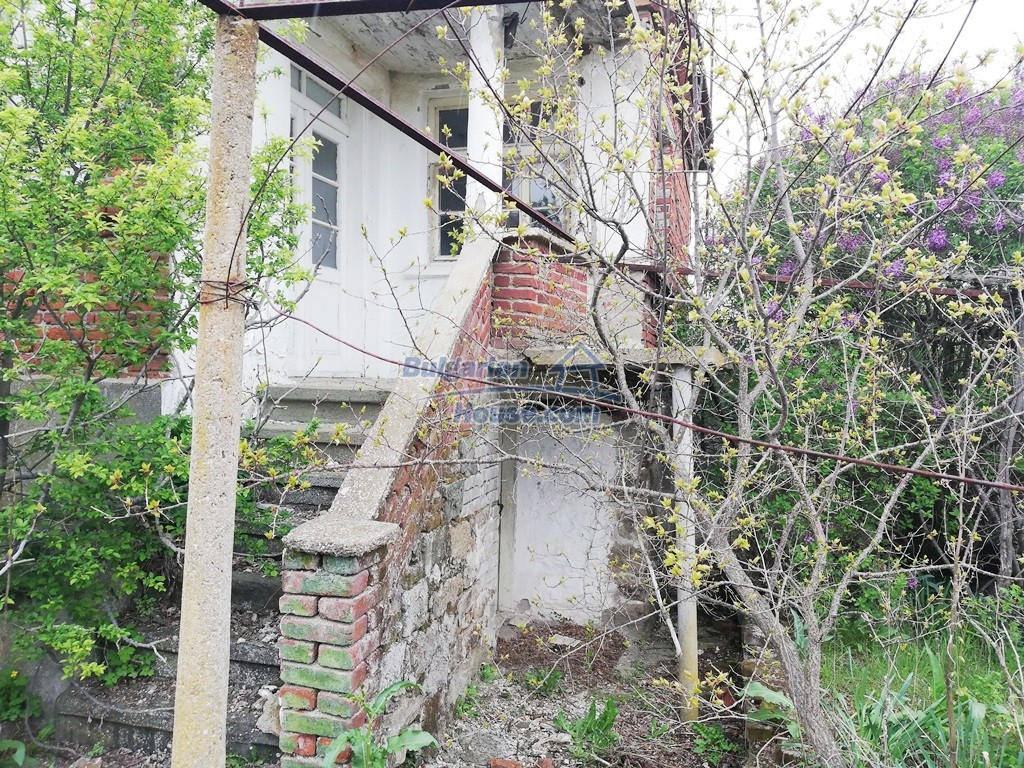 12910:6 - Cheap Bulgarian property 30 km from Burgas and the sea