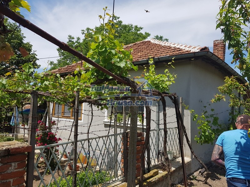 12921:3 - Furnsihed house with big garden 50 km from Plovdiv and St.Zagora