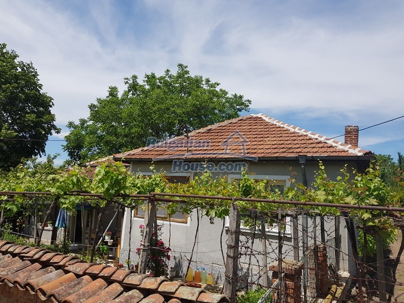 12921:1 - Furnsihed house with big garden 50 km from Plovdiv and St.Zagora