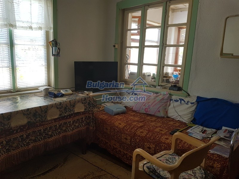 12921:17 - Furnsihed house with big garden 50 km from Plovdiv and St.Zagora