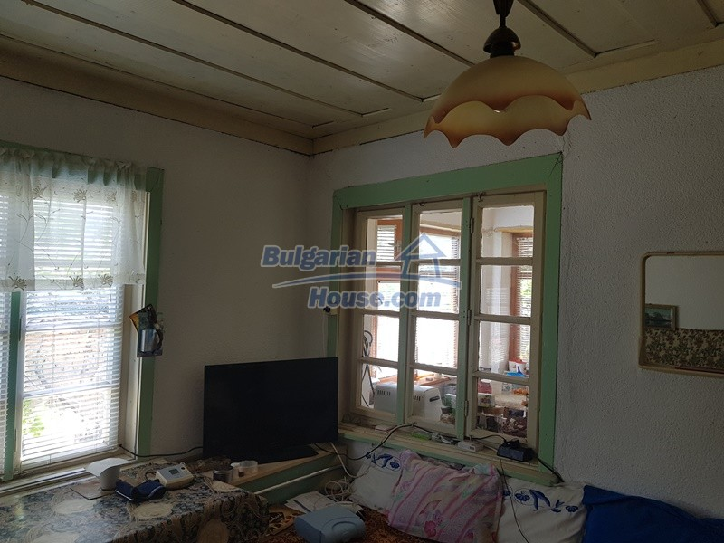 12921:16 - Furnsihed house with big garden 50 km from Plovdiv and St.Zagora