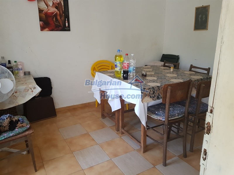 12921:38 - Furnsihed house with big garden 50 km from Plovdiv and St.Zagora