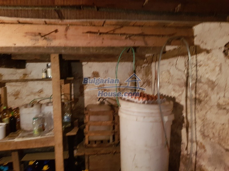 12921:42 - Furnsihed house with big garden 50 km from Plovdiv and St.Zagora