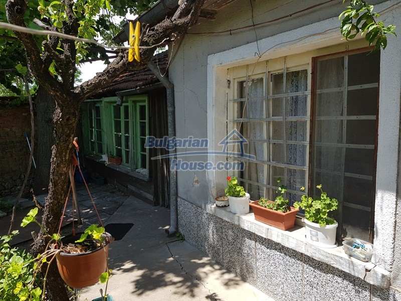 12921:49 - Furnsihed house with big garden 50 km from Plovdiv and St.Zagora