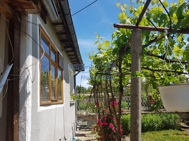 12921:51 - Furnsihed house with big garden 50 km from Plovdiv and St.Zagora