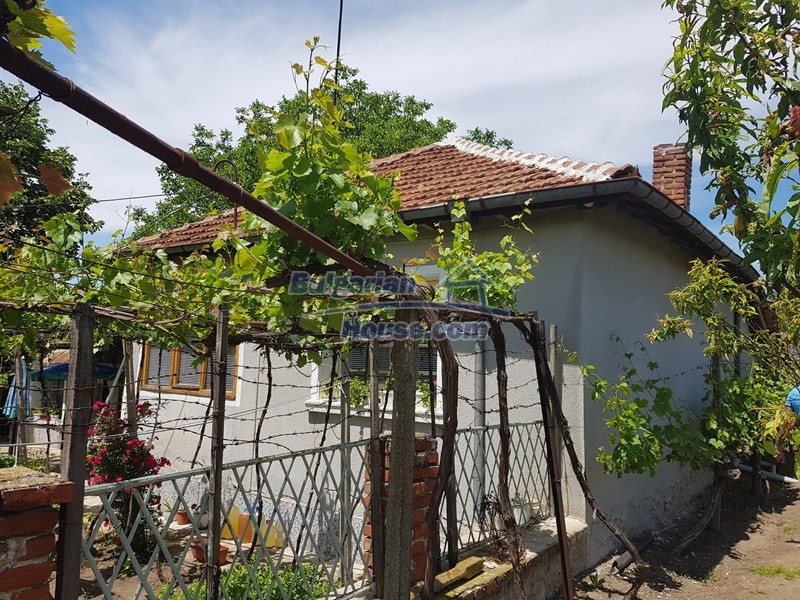 12921:60 - Furnsihed house with big garden 50 km from Plovdiv and St.Zagora