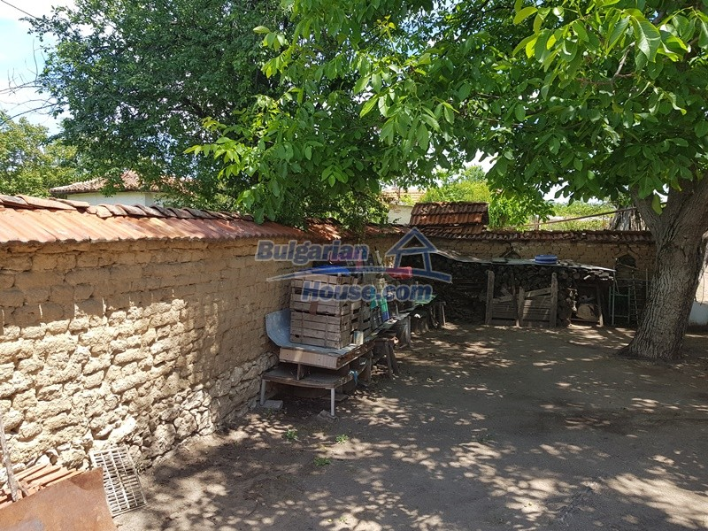 12921:65 - Furnsihed house with big garden 50 km from Plovdiv and St.Zagora