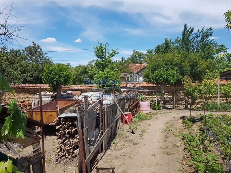 12921:72 - Furnsihed house with big garden 50 km from Plovdiv and St.Zagora