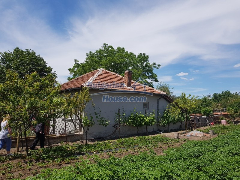 12921:79 - Furnsihed house with big garden 50 km from Plovdiv and St.Zagora