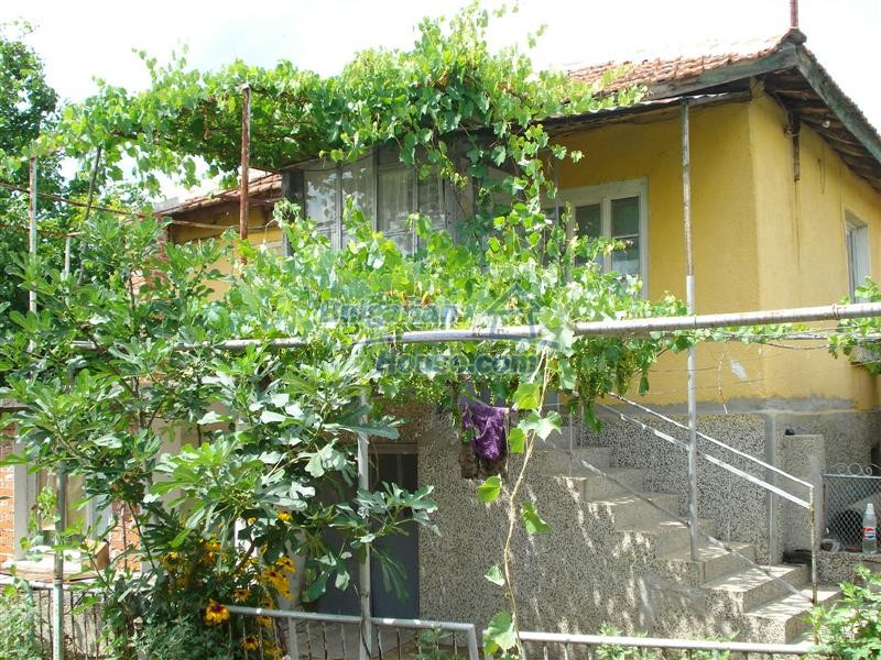 12925:1 - Property for sale 27 km from Yambol town near Elhovo