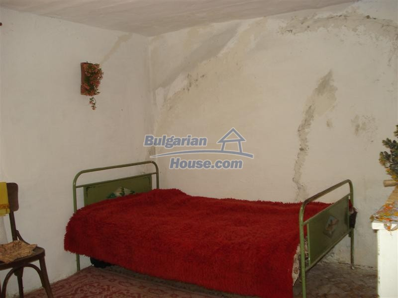 12925:10 - Property for sale 27 km from Yambol town near Elhovo