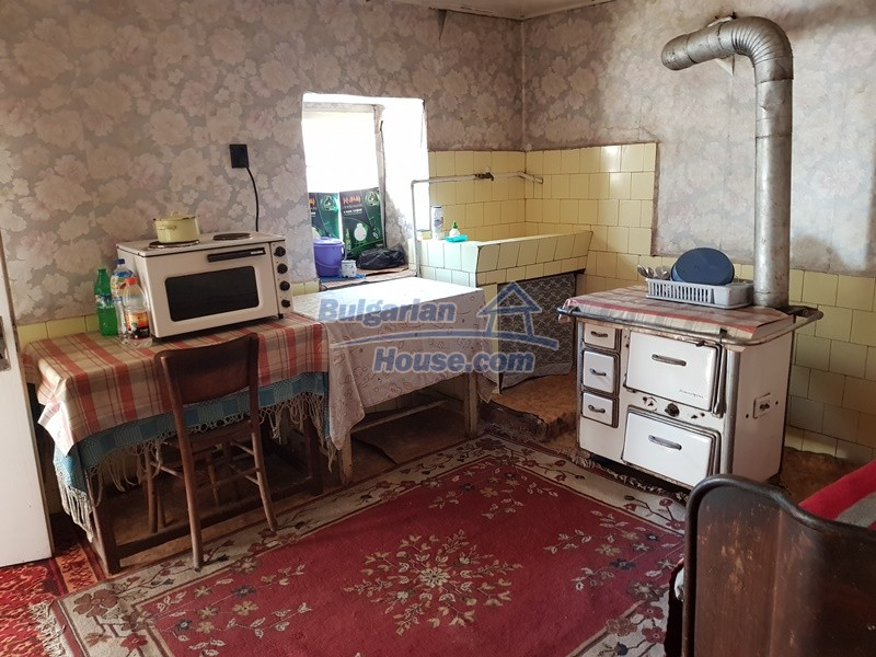 12937:17 - House in good condition between Plovdiv and Stara Zagora
