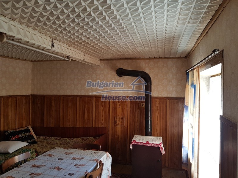 12937:25 - House in good condition between Plovdiv and Stara Zagora